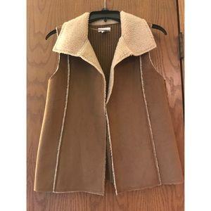 Charter Club petite medium faux Suede/fur vest